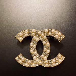 Jewelry - Small brooch